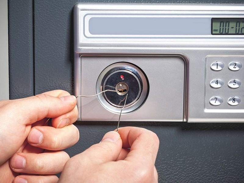 locksmith raleigh safe